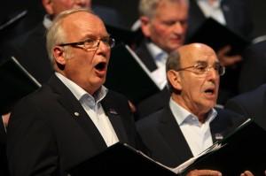 Gesanglich überzeugten die über 50 Sänger des Lüdenscheider Männerchores auf ganzer Linie. (Foto: Björn Othlinghaus)