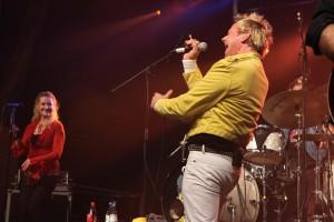 """Den Schlusspunkt setzte wie immer die Stammformation des Christmas Rock, die Queen Tribute Band """"Queen Kings"""". (Foto: Björn Othlinghaus)"""