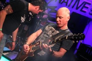 """Gitarrist Frank Diehl war früher mit der Band """"Angel Heart"""" erfolgreich. (Foto: Björn Othlinghaus)"""