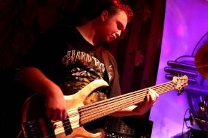Bassist Steven Stegnitz. (Foto: Björn Othlinghaus)