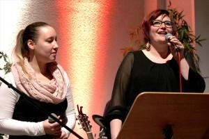 Die Duettpartnerinnen Kristin Roeder und Julia Späinghaus. (Foto: Björn Othlinghaus)