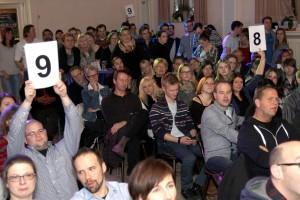 Der Saal der Gaststätte Dahlmann war wie immer beim Poetry Slam prall gefüllt. (Foto: Björn Othlinghaus)