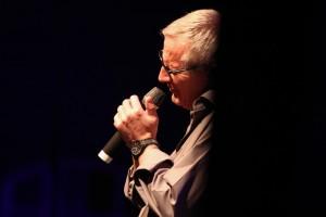 Wecker war wie bei jedem seiner Konzerte mit vollem Herzen bei der Sache. (Foto: Björn Othlinghaus)