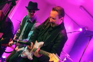 """Deutschrock vom Feinsten gab es von der """"Mit 18 Band"""". (Foto: Björn Othlinghaus)"""