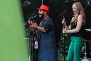 """""""Captain Dance"""" überzeugten als Support-Act mit 90er-Jahre-Musik. (Foto: Björn Othlinghaus)"""