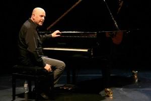 Mit Pianist Egbert Derix tritt Iain Matthews bereits seit 10 Jahren gemeinsam auf. (Foto: Björn Othlinghaus)