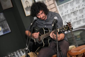 Musiker Bülent Kirschbaum war aus Dortmund zum Konzert gekommen. (Foto: Björn Othlinghaus)