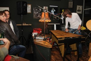Ulli Kuhn eröffnete mit einem Solo-Gig. (Foto: Björn Othlinghaus)
