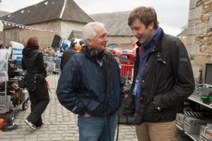 Regisseur Stephen Frears (links) am Set mit Chris O'Dowd. (Foto: Studiocanal)