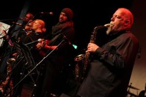 Rudolf F. Nauhauser begeisterte am Saxophon. (Foto: Björn Othlinghaus)
