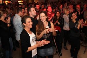 Das Publikum im fast ausverkauften Dahlmann-Saal war begeistert. (Foto: Björn Othlinghaus)