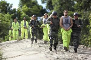 Die Aktivisten wollen mit Protestaktionen auf die Ausrottung des Naturvolkes aufmerksam machen. (Foto: Constantin Film)