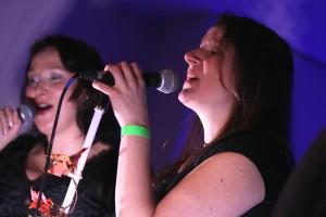 Jeanette Scherf und Christina Fassbender, die beiden Sängerinnen von Celtic Voyager. (Foto: Björn Othlinghaus)