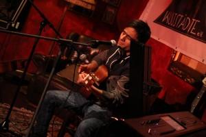 Mohammad Cj Tajik spielte unter anderem Lieder aus seiner Heimat Afghanistan. (Foto: Björn Othlinghaus)