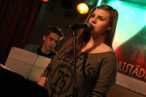 Sarah Redding und Benedikt Czylwik von der Band Otherside. (Foto: Björn Othlinghaus)