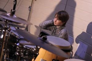 Rabea Elin Dieckmann machte einen guten Job am Schlagzeug. (Foto: Björn Othlinghaus)
