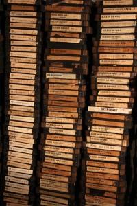 Unter den 35-mm-Filmen befinden sich zahlreiche UFA-Wochenschauen aus dem 2. Weltkrieg sowie Blick-in-die-Welt-Wochenschauen, die nach dem Krieg von den Alliierten produziert wurden. (Foto: Björn Othlinghaus)