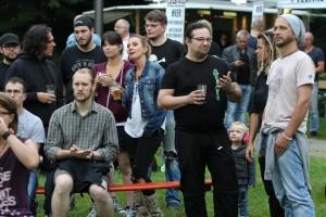 Relaxte Stimmung im Kulturhauspark. (Foto: Björn Othlinghaus)