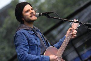 """Adam Glosnicki ist normalerweise mit seiner Band """"The Electric Coast"""" unterwegs. (Foto: Björn Othlinghaus)"""