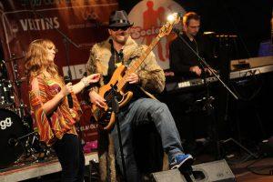 Björn Prenzel, Bassist bei SocietyBe, hat den Funk im Pelz. (Foto: Björn Othlinghaus)