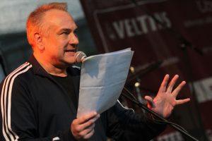 Schauspieler Christian Michael Donat moderierte den Abend und rezitierte eigenen und fremde Texte. (Foto: Björn Othlinghaus)