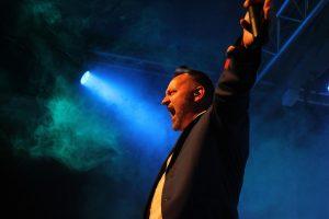 Singen mit Emotion: Carsten Kriegler. (Foto: Björn Othlinghaus)