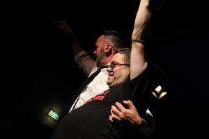 Ein freundschaftliches Verhältnis pflegt die Band zu ihren Fans. (Foto: Björn Othlinghaus)