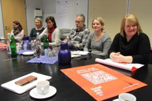 Zahlreiche Vertreter Lüdenscheider Jugendeinrichtungen waren zur Projektvorstellung gekommen. (Foto: Björn Othlinghaus)