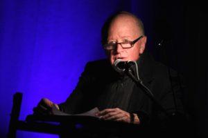 Rudolf Sparing übernahm die Regie und die Moderation. (Foto: Björn Othlinghaus)