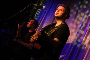 Das Duo Breddermann: Auch als Support-Act musikalisch immer eine sichere Bank. (Foto: Björn Othlinghaus)