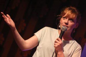 Clevere Standup-Comedy lieferte Christin Jugsch aus Bremen. (Foto: Björn Othlinghaus)