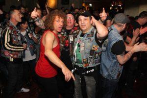 Die AC/DC-Fans waren wie immer bestens gelaunt. (Foto: Björn Othlinghaus)