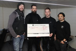 """Die Lüdenscheider Firma Borau spendete 750 Euro für das Projekt """"Mindcraft"""". (Foto: Björn Othlinghaus)"""