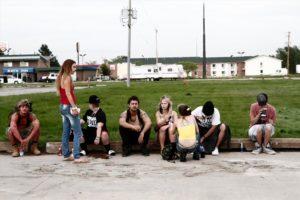 Die Jugendlichen wohnen während ihrer Verkaufstouren in tristen Motels. (Foto: Universal Pictures)