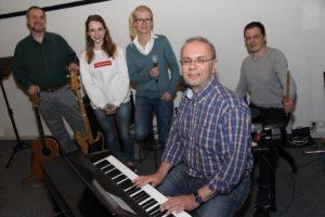 Lobpreis-Team der Gemeinde Gottes. (Foto: Björn Othlinghaus)