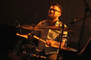 Daniel Hartkopf am Schlagzeug. (Foto: Björn Othlinghaus)