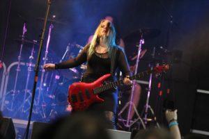 Jules Rockwell, Bassistin bei Sober Truth. (Foto: Björn Othlinghaus)