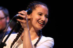 Die Band Funktastic mit Sängerin Carmen Klughardt trat im Rahmenprogramm auf. (Foto: Björn Othlinghaus)