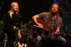 Hannah Kramer und Klaus Sonnabend. (Foto: Björn Othlinghaus)