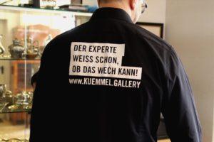 """""""Ist das Kunst oder kann das wech?"""" Der Experte weiß Rat. (Foto: Björn Othlinghaus)"""