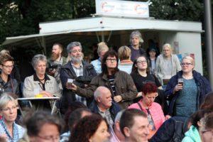 Mehrere hundert Besucher kamen in den Kulturhauspark. (Foto: Björn Othlinghaus)