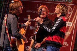 Die drei Musiker hatten gute Laune und Spielfreude nach Lüdenscheid mitgebracht. (Foto: Björn Othlinghaus)