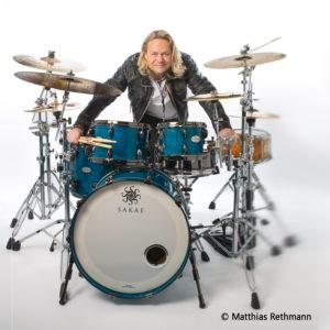 Schlagzeuger Dirk Brand. (Foto: Matthias Rethmann)