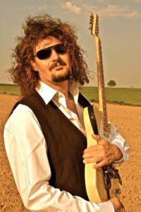 Gitarrist Christian Schwarzbach. (Foto: Elke Oestreicher)