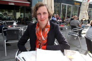 Rebecca Egeling lässt im Lüdenscheider Kulturhaus frischen Theaterwind wehen. (Foto: Björn Othlinghaus)