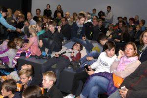 Viele Kids interessierten sich für das neue Comic-Abenteuer der Drei ???. (Foto: Björn Othlinghaus)