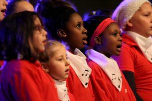 Sängerinnen des Lüdenscheider Kinderchores. (Foto: Björn Othlinghaus)