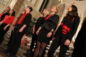 Der Chor YoCanto bildete sich aus ehemaligen Sängerinnen der Rahmeder Spatzen. (Foto: Björn Othlinghaus)