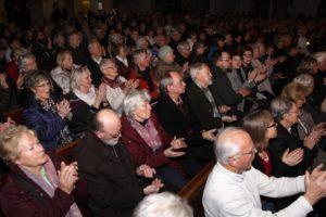 Die Zuschauerränge waren nahezu bis auf den letzten Platz gefüllt. (Foto: Björn Othlinghaus)