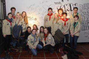 Auch die Mitglieder des Pfadfinder-Stammes St. Medardus waren zur Ausstellung gekommen. (Foto: Björn Othlinghaus)